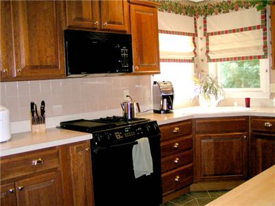 Picture Of Microwave In Kitchen